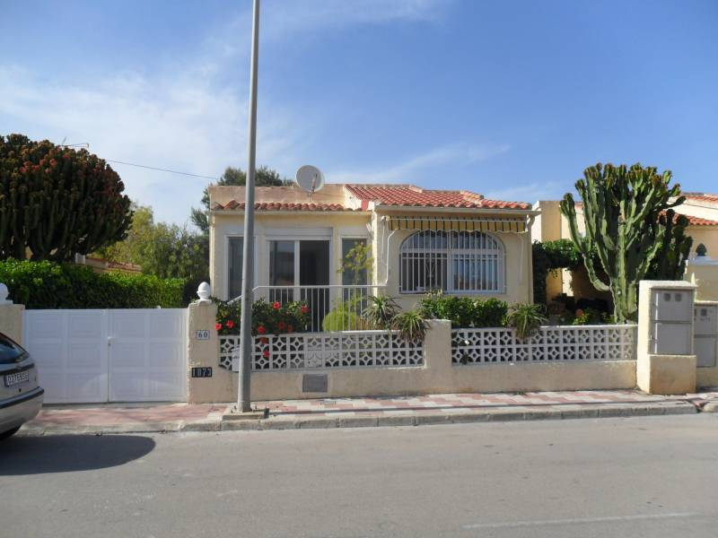Resale - Detached Villa - La Marina - Urbanización La Marina