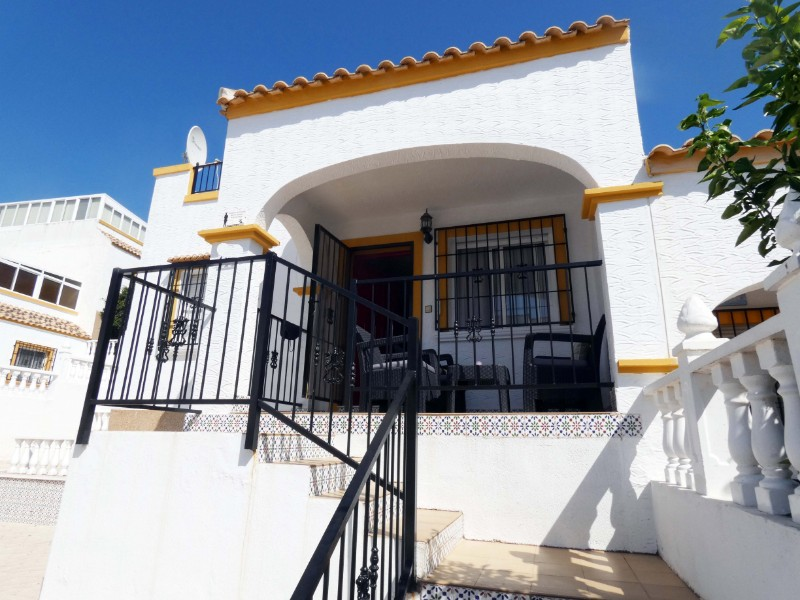 Long Term Rentals - Detached Villa - La Marina - Urbanización La Marina