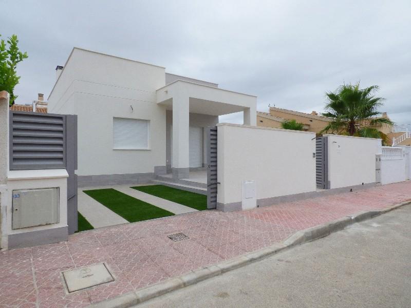 Nouvelle construction maison individuelle rojales for Prix construction maison individuelle