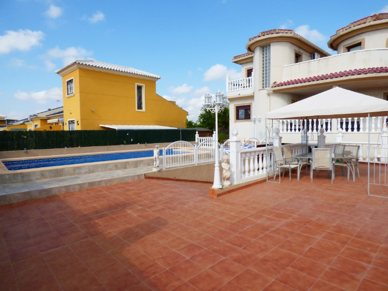 3 bed Detached Villa in Urbanización La Marina image 6